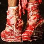 Lady Gaga e o vestido feito de carne!