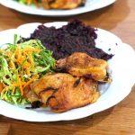 Coxas de Frango com Caril e Especiarias com Salada Fresca