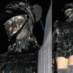 Heidi Klum vestida de corvo!