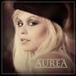 Aurea, a nossa cantora de ouro!