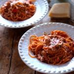 Esparguete Picante com Atum e Tomate Cereja