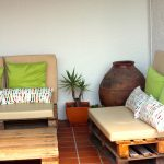 "Sofás de Paletes e a Zona ""Lounge"" do Jardim"