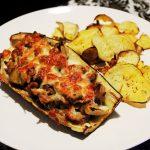 Beringela Recheada Com Cogumelos e Chips de Batata Doce