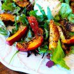 Salada de Burrata com Figos e Nectarinas Grelhados