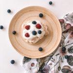 Receita de Mini-Pavlova com frutos vermelhos