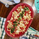 Salada de Grão de Bico com Cebolada de Bacalhau e Tomate